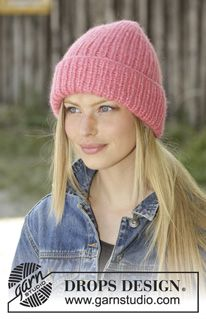 Urban Beat - Knitted hat in 2 strands DROPS Air. Piece is knitted in rib. Free knitted pattern DROPS Design virkning Urban Beat / DROPS - Free knitting patterns by DROPS Design Knitting Blogs, Knitting Designs, Knitting Patterns Free, Knit Patterns, Free Knitting, Drops Design, Crochet Baby, Free Crochet, Knit Crochet
