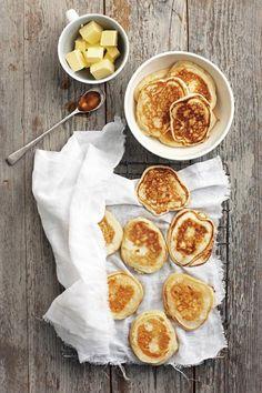 Laaste-minuut-vrugtekoek in jou Kersfees-koskas Breakfast Bread Recipes, Vegetarian Breakfast Recipes, Pancake Recipes, Pancake Breakfast, Scone Recipes, Dessert Drinks, Dessert Recipes, Desserts, Crepe Recipes