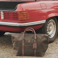 Prepare for your first trip of 2020 with the Dubarry Brittas holdall. Perfect for weekends away. See our range of Dubarry bags on our website. Leather Briefcase, Leather Bag, Wash Bags, Laptop Bag, Accessories Shop, Range, Man Shop, Tote Bag, Website