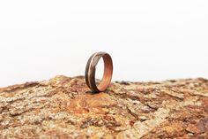 Guitar string inlay - Steam bent wood ring - Fumed oak and sapele wood. Bent Wood, Guitar Strings, Wood Rings, Handcrafted Jewelry, Etsy Seller, Jewelry Design, Wedding Rings, Engagement Rings, Jewellery