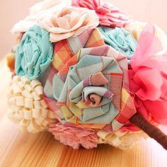 ¿Te atreves con un ramo de novia de tela en tu boda? Un ramo muy original, en UboShop http://www.unabodaoriginal.es/es/ramo-de-novia-de-tela.html