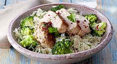 Blanc de poulet au riz brocoli Chicken, Meat, Food, Chicken Rice, Chicken Breasts, Hoods, Meals, Kai