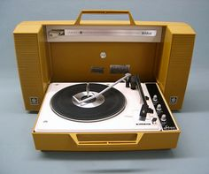 1970 Vintage General Electric WILDCAT Record Player Solid State Stereo. Our second record player..