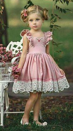 Pink Wedding---ideas for Wedding dresses, Bridesmaid Dress Baby Dress Design, Baby Girl Dress Patterns, Girls Party Dress, Little Dresses, Little Girl Dresses, Girls Dresses, Flower Girl Dresses, Little Girl Fashion, Kids Fashion