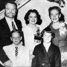 File:Red Skelton and family circa 1957.Red Skeleton his wife Georgia, Georgia's sister son Richard and daughter Valentina