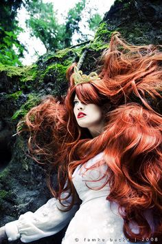 red beauty - oh to have that hair!!!