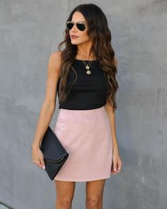 Claim To Fame Faux Suede Mini Skirt – Rose – Lucille Short Pencil Skirt, Pencil Skirt Outfits, Spring Summer Fashion, Spring Outfits, Winter Skirt Outfit, Outfit Summer, Night Outfits, Outfit Night, Outfit Work