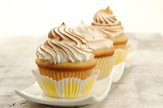 Lemon Meringue Cupcakes from King Arthur Flour - I'd probably make this with a different lemon curd, but overall these cupcakes look like they'd go over well with lemon meringue pie fans. Lemon Meringue Cupcakes Recipe, Meringue Pie, Cupcake Recipes, Cupcake Cakes, Dessert Recipes, Lemon Cupcakes, Recipes Dinner, Egg Recipes, Flavored Cupcakes