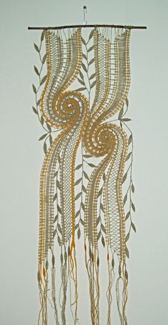 Decoración :: Freeform Crochet, Crochet Art, Irish Crochet, Lace Art, Bobbin Lace Patterns, Lacemaking, Point Lace, Lace Jewelry, Linens And Lace