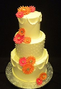 Love this only with white icing instead of yellow and with real flowers instead of icing flowers.