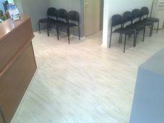 White Laminate Parquet floor office פרקטים למינציה בצבע לבן למשרד יורם פרקט מכירה והתקנה טל: 050-9911998 http://www.2all.co.il/web/Sites1/yoram-parquet/PAGE3.asp