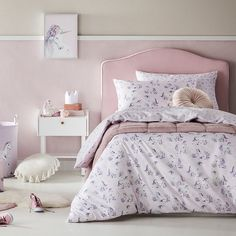 A super cute quilt cover set for your unicorn obsessed little one. Featuring small handrawn unicorns this soft lilac based quilt cover is sure to suit any room. Quilt Cover Sets, Quilt Sets, Pink Baby Blanket, Fitted Bed Sheets, Cotton Bedding Sets, Comforter Sets, Grey Bedding, Bed Spreads, Duvet Covers