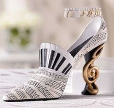 "Amazon.com: Giftcraft ""Shoe Pin"" Music Stiletto Shoe Figurine Decoration: Everything Else"