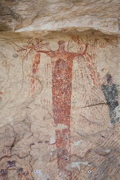 Rock painting of a shaman in Panther Cave, Texas dates from the Archaic period. Ancient Mysteries, Ancient Artifacts, Native Art, Native American Art, Ancient Aliens, Ancient History, Religions Du Monde, Art Rupestre, Cave Drawings