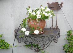 Looks great! Have a look at this great gardening tips site I found:    http://greenthumbgardening.fastprofitpages.com/?id=win44