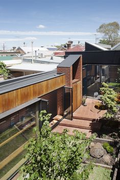 Melbourne house, with cloister by MRTN Architects Dream House Exterior, Dream House Plans, Australian Architecture, Residential Architecture, Modern Architecture, Melbourne House, The Cloisters, Craftsman House Plans, Home Additions