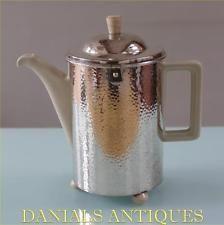 ANTIQUE SUPERB ART DECO BAUHAUS SILVER PLATED HAMMERED WMF COFFEE TEA POT.1935'S Chocolate Pots, Chocolate Coffee, Bauhaus, Wmf, Antique Art, Deco, Tea Pots, Antiques, Tableware