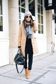 16 Stylish Winter Outfit Ideas to Copy Right Now Uni Outfits, Casual Outfits, Fashion Outfits, Womens Fashion, Packing Clothes, Packing Outfits, Crystalin Marie, Stylish Winter Outfits, Outfit Invierno