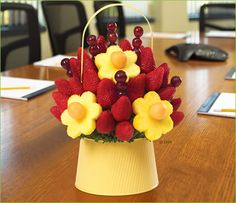 New fruit bouquet ideas easter baskets Ideas Edible Fruit Arrangements, Edible Bouquets, Fruit Snacks, Fruit Recipes, New Fruit, Fresh Fruit, Fruit Sculptures, Food Carving, Fruit Decorations