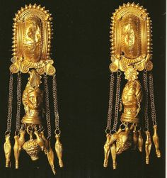 """La sculpture étrusque - etuscan  gold ~bears a strange resemblance to Norse/Viking """"turtle"""" brooches~"""