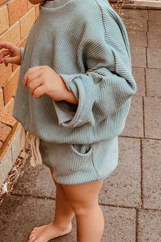 Ribbed cotton set - A comfy relaxed pullover and shorties in beautiful river blue color and thick ribbed cotton, natural cord tie at the bottom, lots of stretch and room to grow Source by spinelboutique - Baby Girl Fashion, Toddler Fashion, Toddler Outfits, Boy Outfits, Children Outfits, Cute Kids Fashion, Fashion Children, Toddler Girl Style, Baby Style