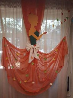 Curtain decor for a party Backdrop Decorations, Diwali Decorations, Birthday Decorations, Housewarming Decorations, Diy Crafts Hacks, Diy And Crafts, Crafts For Kids, Desi Wedding Decor, Indian Wedding Decorations
