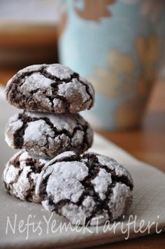 truffle kurabiyeler, kurabiye tarifleri Cookie Recipes, Dessert Recipes, Desserts, Turkey Cake, Brownie Cookies, Biscuits, Dessert Salads, Turkish Recipes, Sweet Recipes
