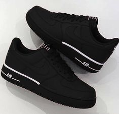 Women shoes With Jeans Street Styles - Comfortable Women shoes Winter - Women shoes Sneakers Nike - - Designer Women shoes Fashion Designers Souliers Nike, Nike Air Shoes, Nike Shoes Outfits, Shoes Sport, Nike Clothes, Running Shoes, Nike Running, Nike Casual Shoes, Tennis Shoes Outfit