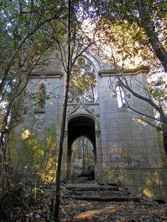 CAMINANDO LA PAMPA: Las ruinas de la modernidad, el enigma de Montelen, Salaberry, Buenos Aires, Argentina