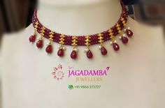 Stunning gold choker with approx 19 July 2019 drops set. Stunning gold choker with approx 19 July 2019 Pearl Necklace Designs, Gold Earrings Designs, Beaded Jewelry Designs, Gold Jewellery Design, Bead Jewellery, Jewelry Patterns, Jewelery, Gold Designs, Ruby Jewelry