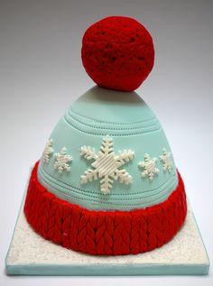 Gâteau bonnet Winter hat cake  #handmade #handpainting #gâteauxdécoréslyon #OoohMyCake #cakedecorating #birthdaycake #cakedesign #winteriscoming