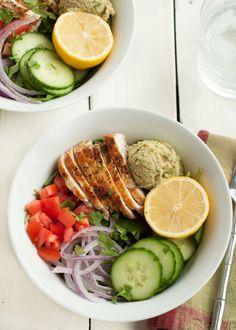 Power Chicken Hummus Bowl {Panera Copycat Recipe}. Gluten Free, High Protein, Low Calorie | www.nutritiouseats.com