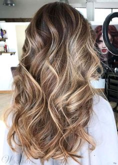 Trendy Hair Highlights : Caramel Blonde Balayage For Brown Hair Grey Balayage, Balayage Highlights, Hair Color Balayage, Auburn Balayage, Babylights Blonde, Brunette Highlights, Color Highlights, Caramel Blonde, Caramel Balayage