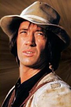 Kung Fu (1972–1975) David Carradine.
