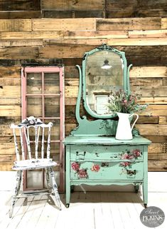 The Best Shabby Chic Furniture Interior Design Ideas Decoupage Furniture, Repurposed Furniture, Cheap Furniture, Shabby Chic Furniture, Vintage Furniture, Furniture Decor, Painted Furniture, Furniture Stores, Furniture Dolly
