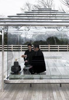 TOKUJIN YOSHIOKA KOU-AN Glass Tea House http://www.tokujin.com/new/construct/wp-content/uploads/2015/04/460_inside_kouan.jpg