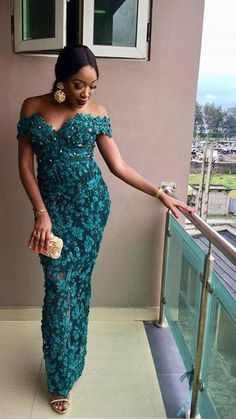 African fashion clothing looks Hacks 6257612014 Aso Ebi Lace Styles, African Lace Styles, Lace Dress Styles, African Lace Dresses, Kente Styles, Latest African Fashion Dresses, African Print Fashion, Nigerian Lace Styles, Nigerian Dress