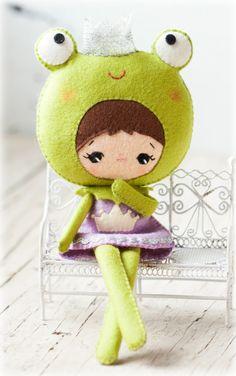 Poupée princesse grenouille. Peluche poupée patron de par Noialand