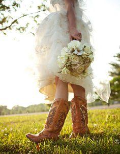 Cowboy boots and wedding dress - cool as hell #rockmyautumnwedding @rockmywedding