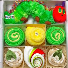 I am sure a lot of people will remember this wonderful story from their childhood. This cupcake gift set will bring back memories and makes a perfect gift for a beautiful baby girl or baby boy. Comes presented in a small white or cream gift box with green tissue paper and then wrapped in celophane.