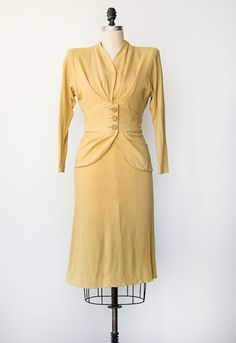 vintage 1940s yellow blazer skirt suit set