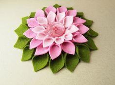 Awesome felt flower tutorial by Jocelyn Olson