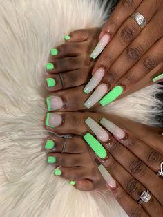 Acrylic Toes, Square Acrylic Nails, Summer Acrylic Nails, Best Acrylic Nails, Acrylics, Acrylic Nails Green, Green Toe Nails, Drip Nails, Aycrlic Nails