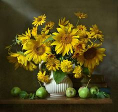 Still Life Photos, Still Life Art, Sunflowers And Daisies, Sunflower Pictures, Autumn Scenes, Victorian Flowers, Spring Blooms, Still Life Photography, Watercolor Flowers