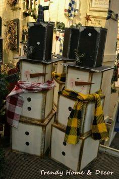 Wooden snowmen