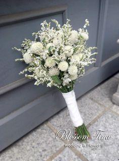New Dress Wedding Flower Bouquets Ideas Wedding Bridesmaid Flowers, Turquoise Bridesmaid Dresses, Flower Bouquet Wedding, Floral Wedding, Flower Bouquets, Dress Wedding, Pearl Wedding Decorations, Flower Decorations, Hand Flowers