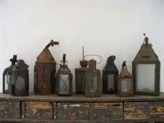 franse lantaarn Old Lanterns, Antique Lanterns, Rustic Lanterns, Primitive Lighting, Antique Lighting, Candle Box, Vintage Stil, Best Candles, Displaying Collections