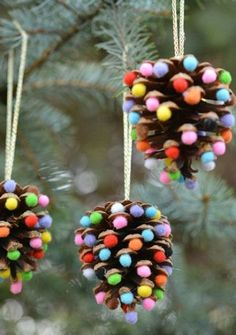 32 DIY Christmas Ornaments That Are Worlds More Special Than Store-Bought - First for Women While you're whipping up some DIY Christmas decorations, don't forget the tree! These holiday crafts will take your spruce from stale to stunning. Kids Crafts, Christmas Crafts For Kids, Diy Christmas Ornaments, Homemade Christmas, Holiday Crafts, Christmas Gifts, Christmas Ideas, Ornaments Design, Pine Cone Crafts For Kids