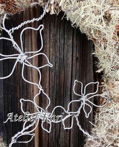 Atelier Kari naturdekorasjoner og kranser Craft Fairs, Decorations, Nature, Crafts, Ideas, Atelier, Naturaleza, Manualidades, Dekoration