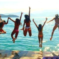 Tons of pictures with friends #beach